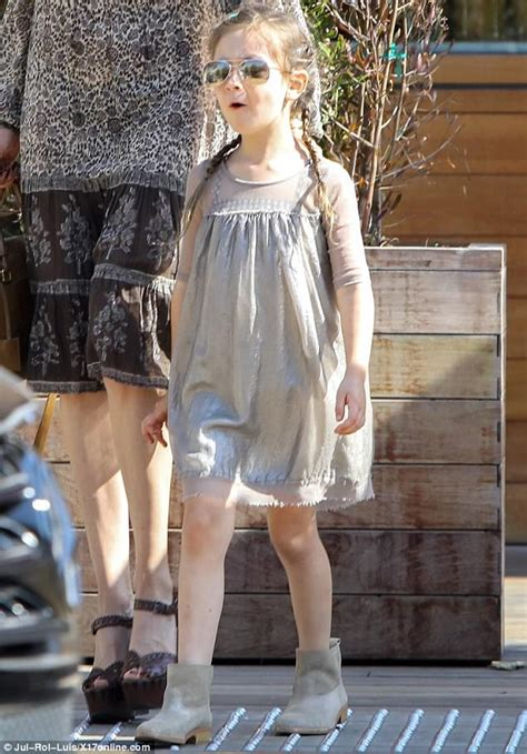 Kimberly Stewart and daughter Delilah head to lunch